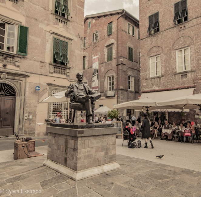 puccini-staty-i-lucca-1521