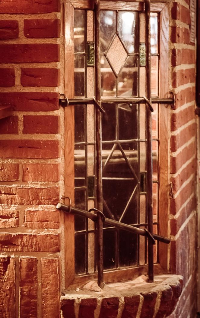 fönster i puben-4562.jpg